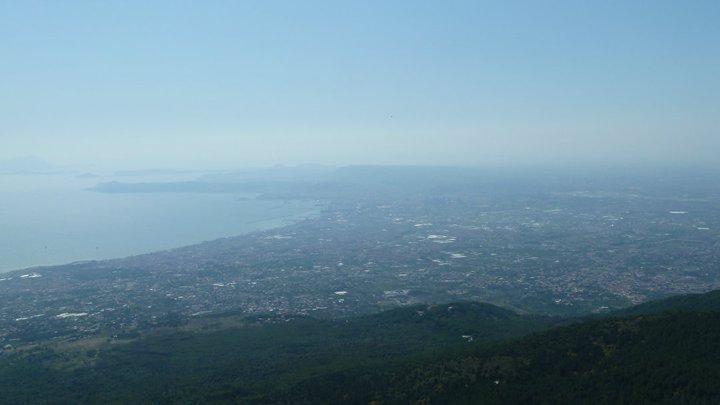 výhľad na Neapol z Vezuvu